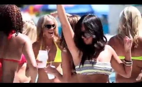 Vegas2italy ep.30: pool party, massaggi ai tavoli e le papere dell'estate